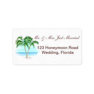 El casarse de la playa y de las palmeras etiqueta de dirección