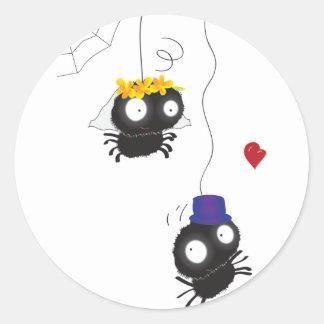 El casarse de las arañas pegatina redonda