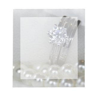 El casarse de los anillos y de las perlas de blocs de notas