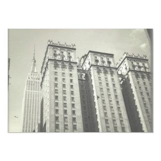 """El casarse de los rascacielos de New York City Invitación 5"""" X 7"""""""