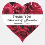 El casarse de los rosas rojos le agradece novio de calcomanías corazones