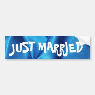 El casarse de seda azul profundo del efecto pegatina para auto