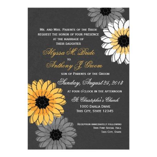 El casarse gris y amarillo de la pizarra y de las  invitacion personal