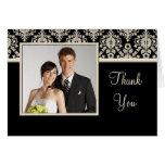 El casarse le agradece las tarjetas de la foto