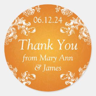 El casarse le agradece marcar el naranja de los etiqueta redonda