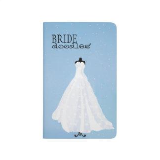 El casarse para hacer el vestido nupcial de la cuaderno grapado