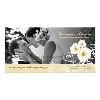 El casarse poner crema de los remolinos de los tarjeta fotográfica