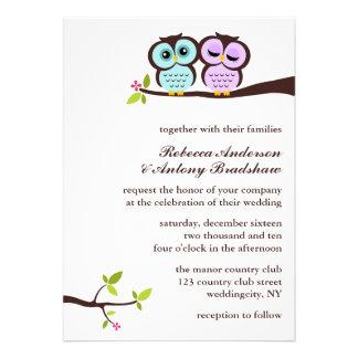 El casarse precioso de los búhos invitación