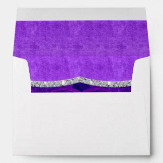 El casarse púrpura de las tonalidades del remolino sobre