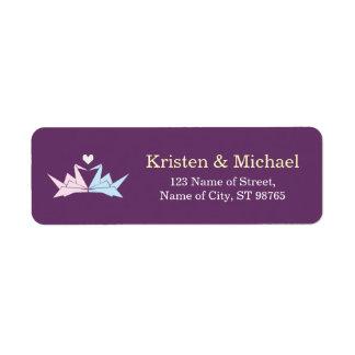El casarse (púrpura) de papel colgante de las etiqueta de remitente