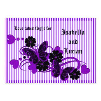"""El casarse púrpura gótico de las mariposas invitación 5"""" x 7"""""""