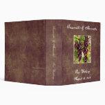 El casarse púrpura/verde del viñedo elegante de