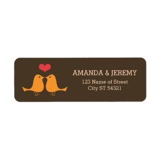 El casarse retro moderno de los pájaros del amor etiquetas de remite