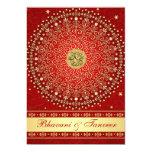 El casarse rojo hindú de las volutas del oro de invitacion personalizada