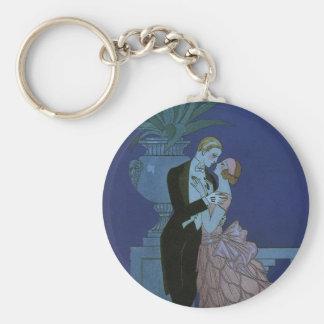 El casarse romántico de los recienes casados del llavero redondo tipo pin