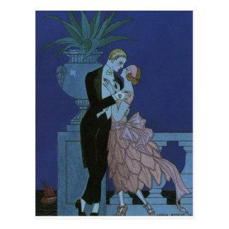 El casarse romántico de los recienes casados del postal