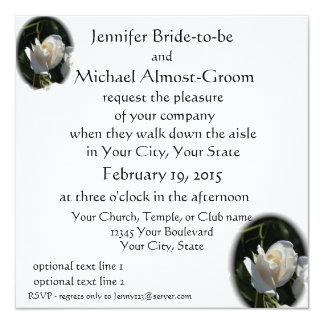 """El casarse romántico de los rosas blancos invitación 5.25"""" x 5.25"""""""