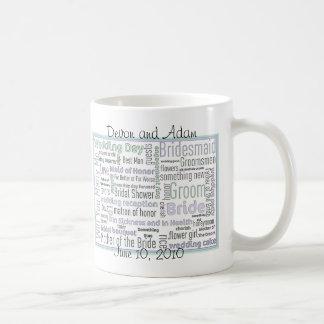 El casarse/taza nupcial del favor de la ducha taza de café