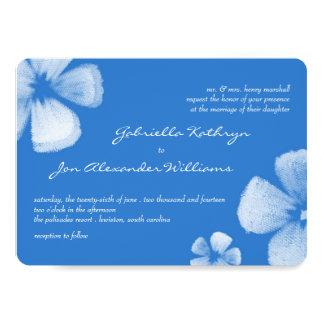 """El casarse tropical azul de las flores de la invitación 5"""" x 7"""""""