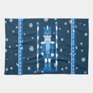 El cascanueces en azul toalla