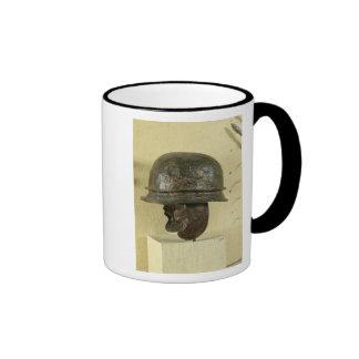 El casco con la mejilla guarda, de Alesia, Tene II Tazas