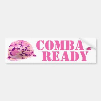 El casco del soldado rosado del camuflaje etiqueta de parachoque