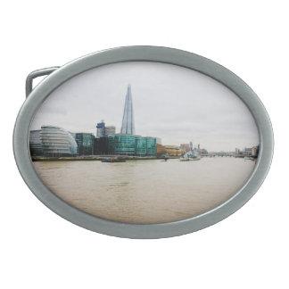 El casco y el río Támesis, Londres Reino Unido Hebillas De Cinturón Ovales