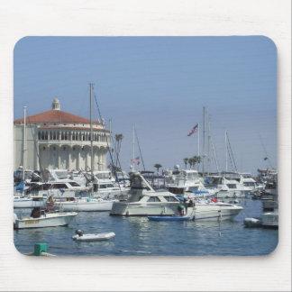 El casino y el puerto en la isla de Catalina, CA Alfombrilla De Ratones