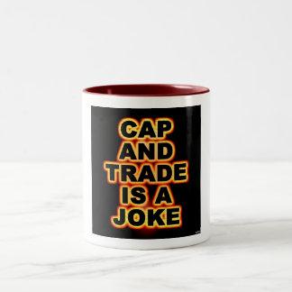 El casquillo y el comercio es un chiste taza de café de dos colores