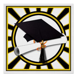 El casquillo y el diploma w/School del graduado Perfect Poster