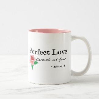 El casteth perfecto del amor hacia fuera teme taza dos tonos