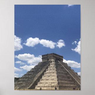 El Castillo – Chichen Itza, Mexico Poster