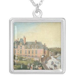 El castillo francés de la Chaussee, Bougival Collar Plateado