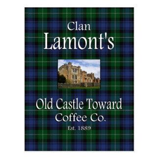 El castillo viejo de Lamont del clan hacia el café Tarjeta Postal