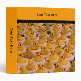 El caucho amarillo Ducks la carpeta
