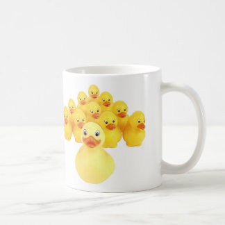 El caucho Ducks la taza de café del humor