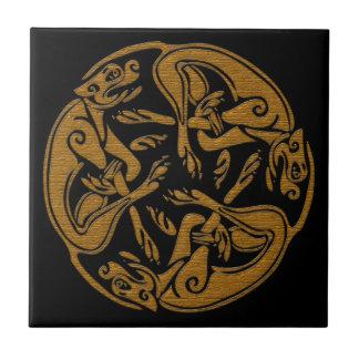 El Celtic persigue mirada de madera del ornamento Azulejo Cuadrado Pequeño