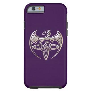 El Celtic trino del dragón de plata y púrpura Funda De iPhone 6 Tough