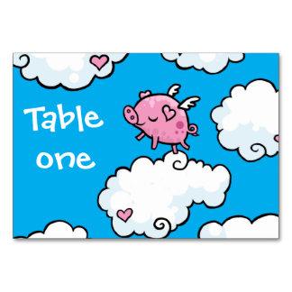 El cerdo del vuelo baila en las nubes adaptables