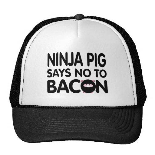 El cerdo divertido de Ninja dice no al tocino Gorro De Camionero