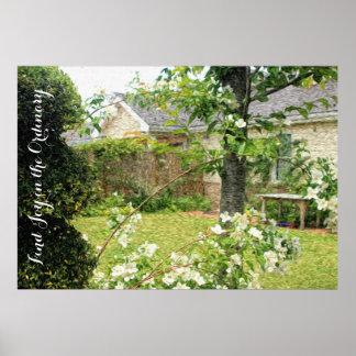 El césped de la Casa Blanca bonita Niza florece la Poster
