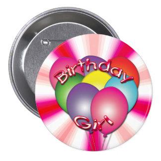 El chica del cumpleaños hincha el botón pin redondo de 3 pulgadas