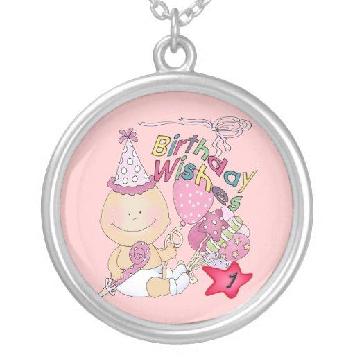 El chica del feliz cumpleaños desea de 1 año collar plateado