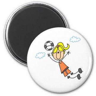 El chica del fútbol presenta el imán