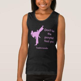El chica del Taekwondo no deja la cola de caballo Playera De Tirantes