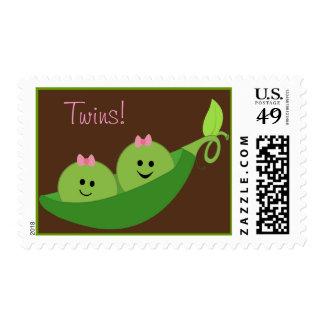 El chica hermana franqueo de la vaina de guisante timbres postales