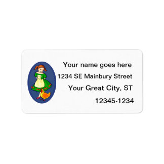 el chica que coloca el vestido verde cihcken óvalo etiquetas de dirección