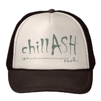 el chillASH guarda en el gorra de Truckin