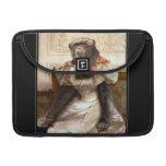 El chimpancé de Bouguereau en vestido Funda Para Macbook Pro