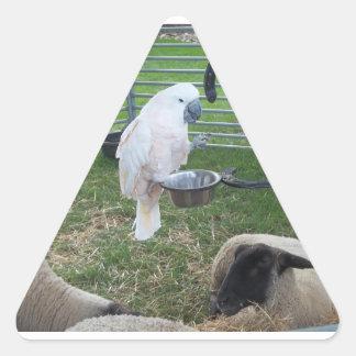El chirrido y las ovejas pegatina triangular